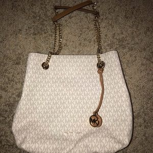 Medium Michael Kors Jet Set Chain Purse